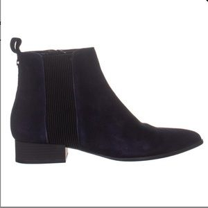 DKNY / Excellent Used Condition Designer Booties